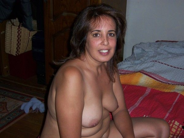 tres belle chatte salope tunisienne